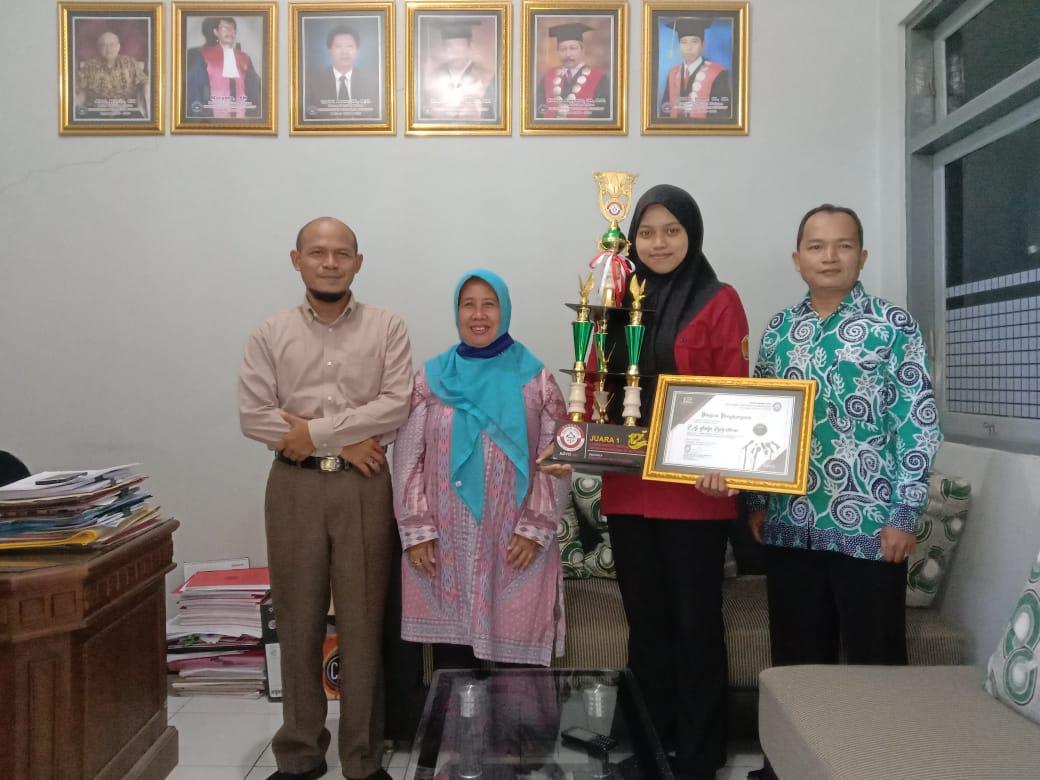 Mahasiswi Fakultas Hukum, Juara Lagi